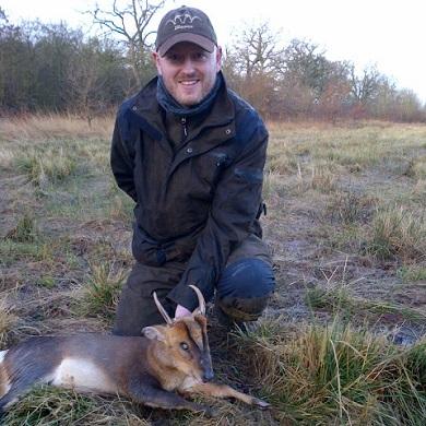Muntjac hunting